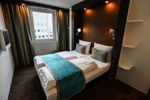 Hotel Window Treatments Content Image - DMI