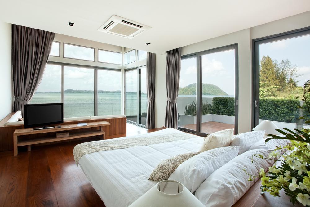5 Tips For Choosing Hotel Window Treatments
